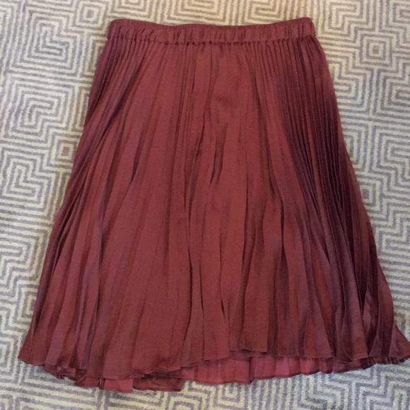 d710cc6922 Club Monaco Dresses & Skirts - Club Monaco pleated skirt size s